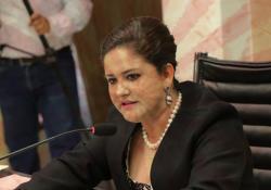 Muestra Célida López su intolerancia