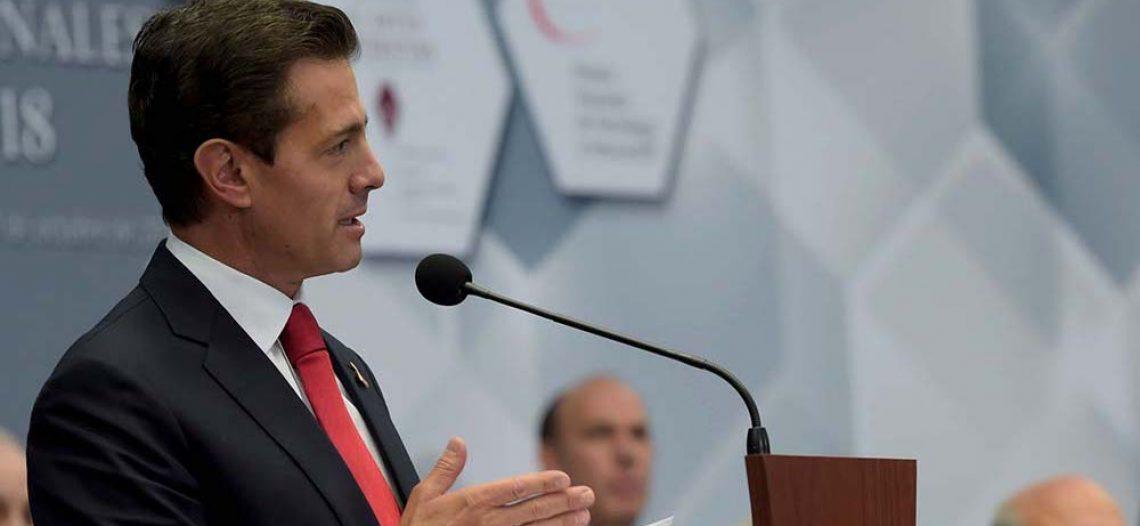 Peña Nieto entrega premios de Literatura, Ciencias y Tecnología
