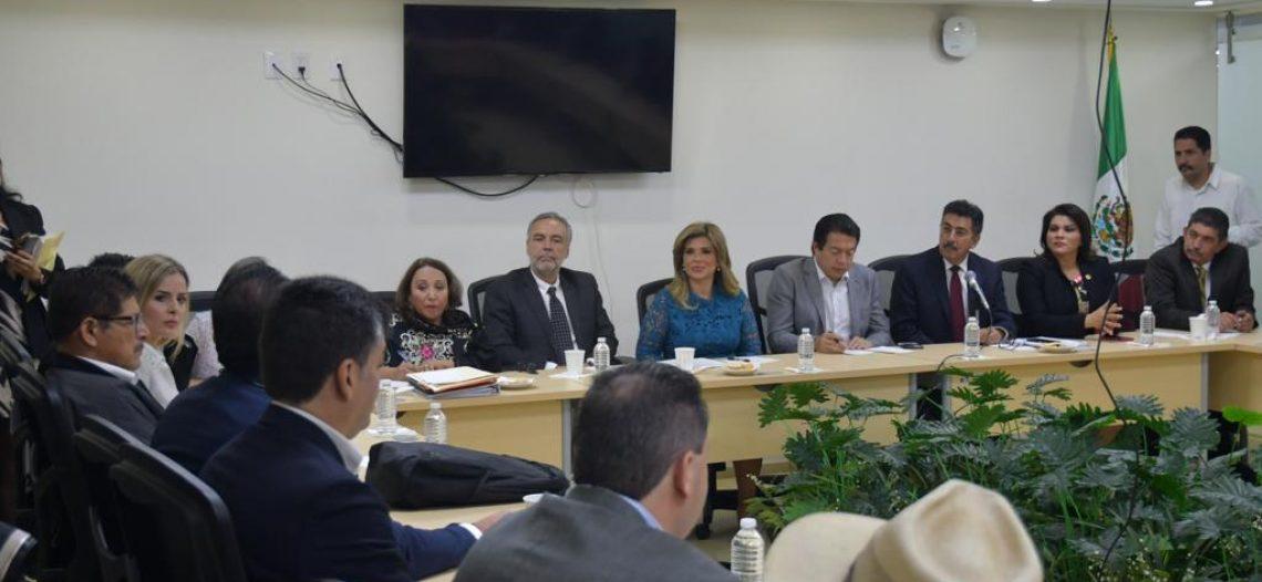 Plantea Gobernadora necesidades a Diputados Federales