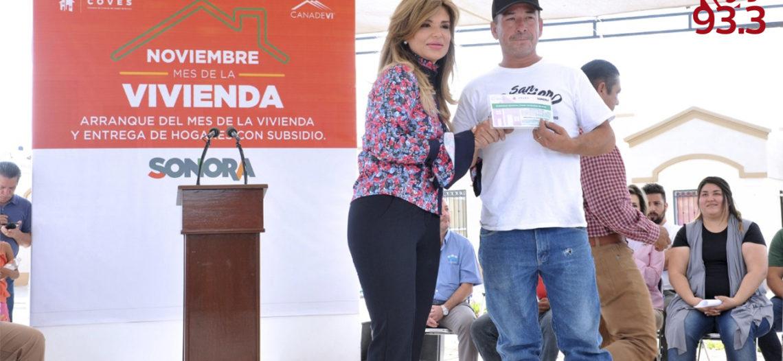 Apoya Gobernadora a mil familias a adquirir su primera vivienda