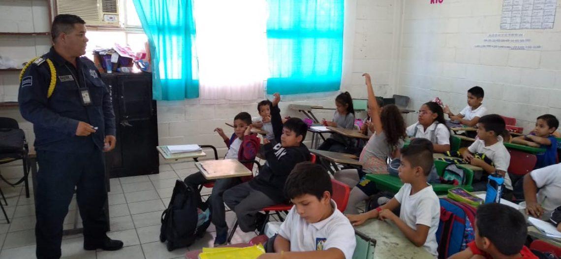 Alumnos de escuela primaria reciben pláticas de educación vial