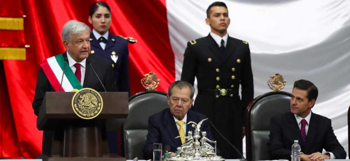 AMLO asume la presidencia de México
