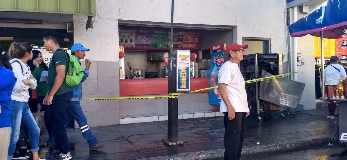 Se incendia comercio del centro de Guaymas