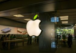 Usuarios podrán demandar a Apple en EU por monopolio
