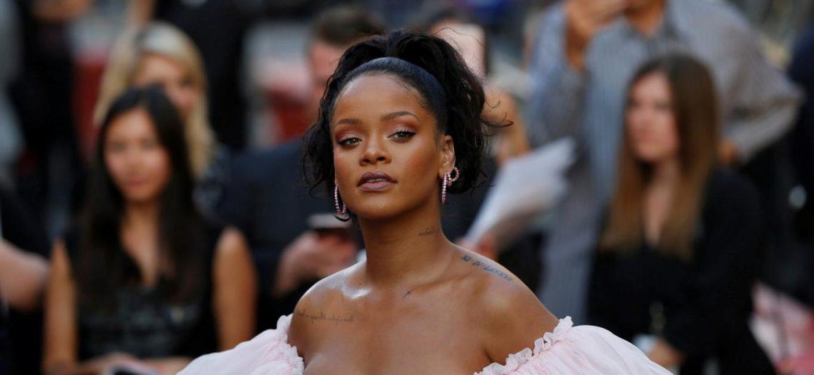 Rihanna se asocia con Louis Vuitton