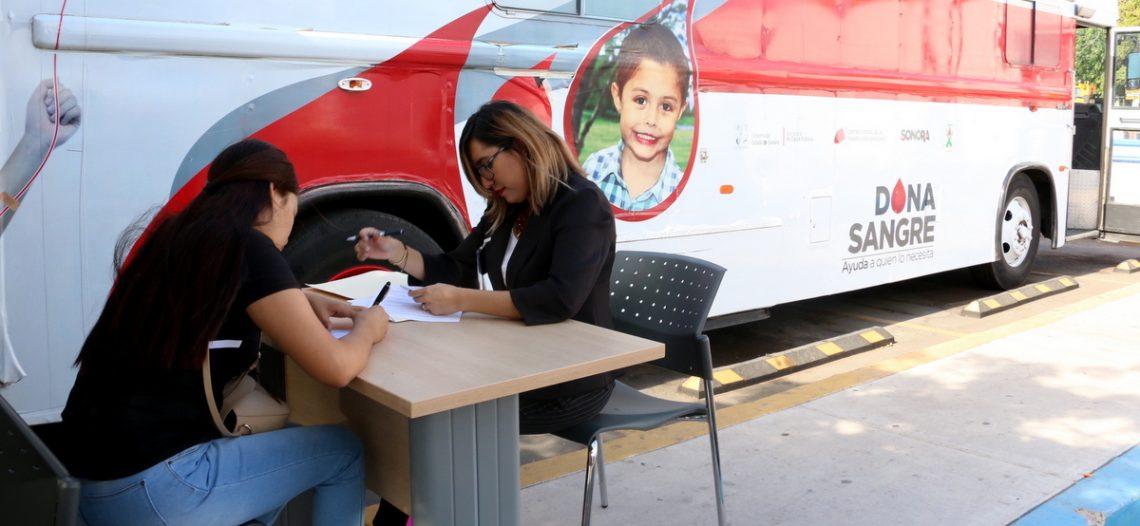 Invita Isssteson a convertirte en donador altruista de sangre