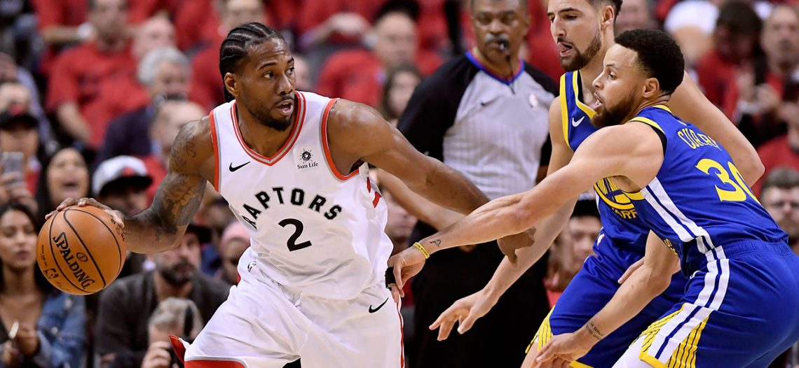 Warriors logra sufrida victoria