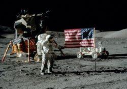Trump promete plantar la bandera de EU en la Luna y Marte