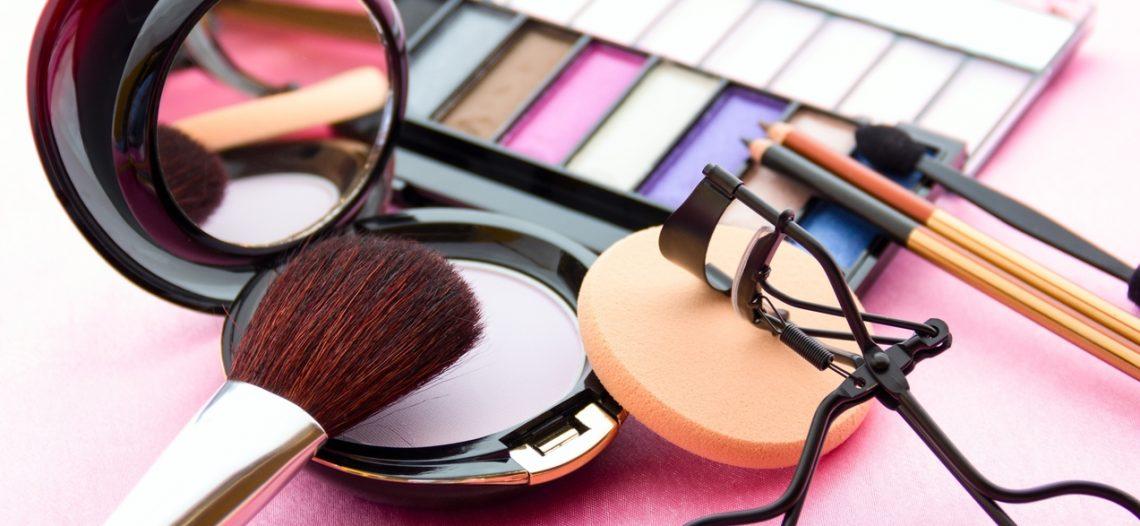 SAT decomisa 194 mil piezas de cosméticos ilegales