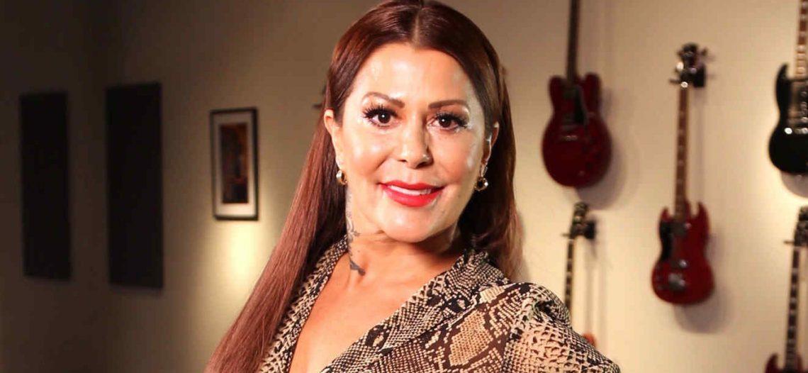 """Alejandra Guzmán insiste en """"mantenerse joven"""""""