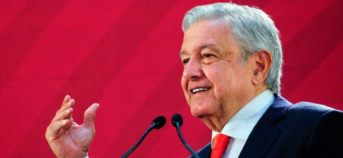 López Obrador invita a celebrar primer año de gobierno en el Zócalo