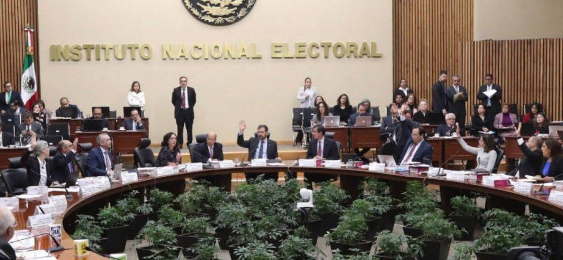 El INE descontó 583 millones de pesos a los partidos
