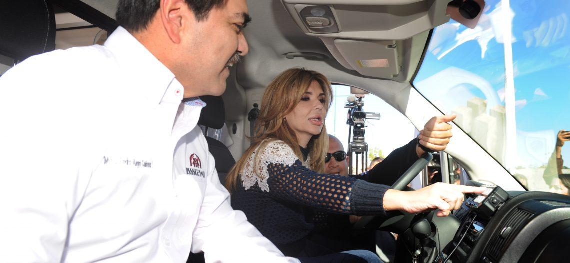 Beneficia Gobernadora a derechohabientes de Isssteson con ambulancias nuevas