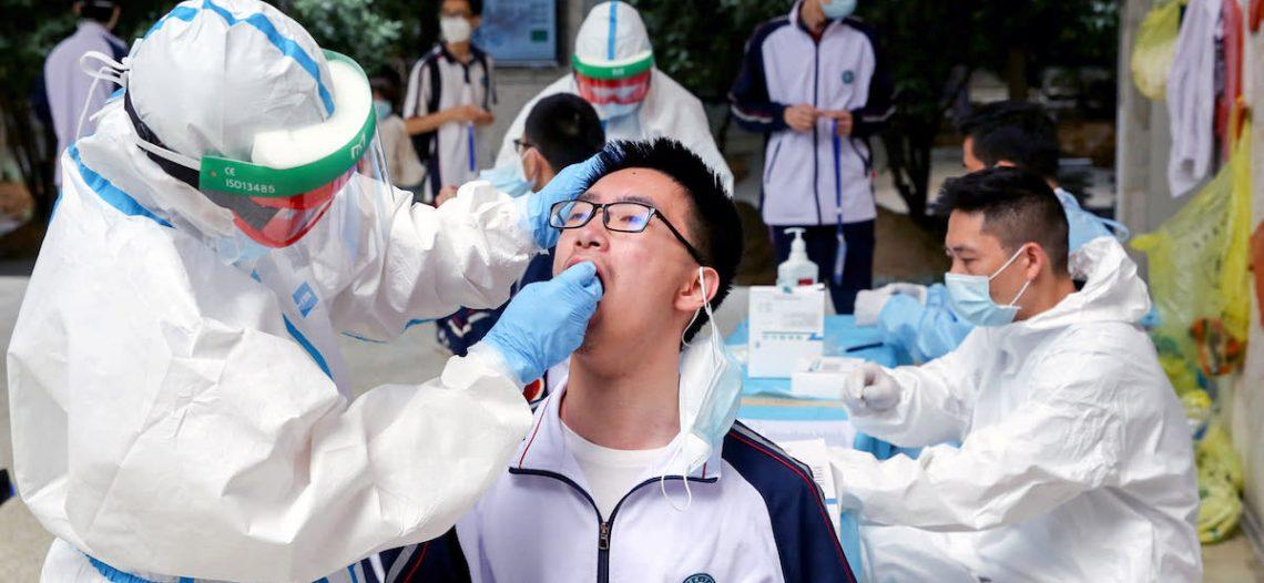 OMS reporta récord de casos diarios de covid-19 en el mundo