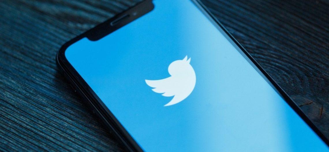 Twitter suspende cuentas de simpatizantes de Trump