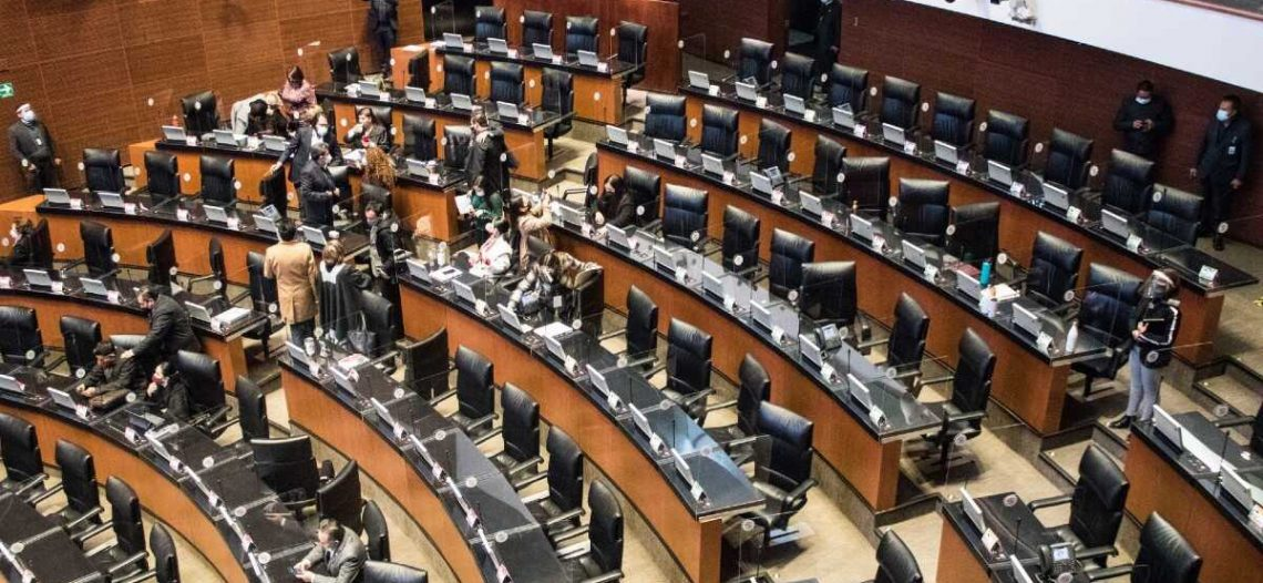 Mariguana lúdica y fin del fuero presidencial en 'stand by' en Senado
