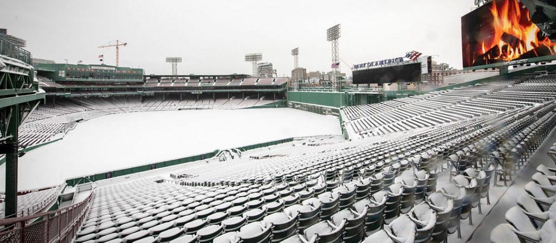 Medias Rojas posponen juego por nevada
