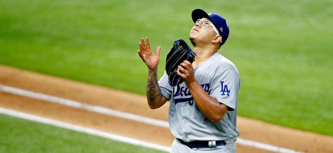 Julio Urías se luce en la victoria de Dodgers