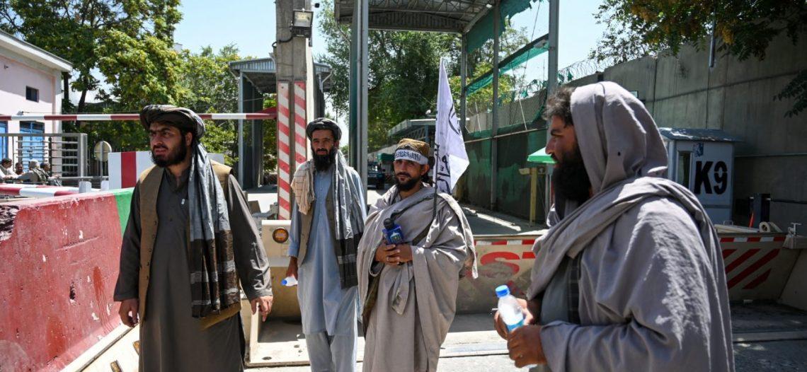 Afganistán estaría cerca de colapso económico; enviada de la ONU pide ayuda